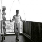getting-fit-and-strong-the-bruce-lee-way_esm1